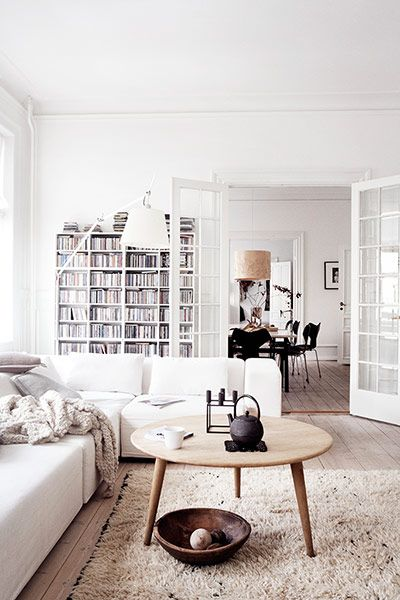 white-interior-home-decor